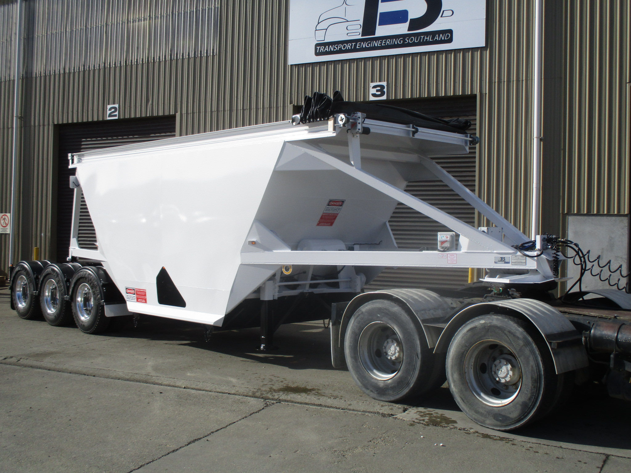 TES - Transport Engineering Southland | Belly/Bottom Dumper