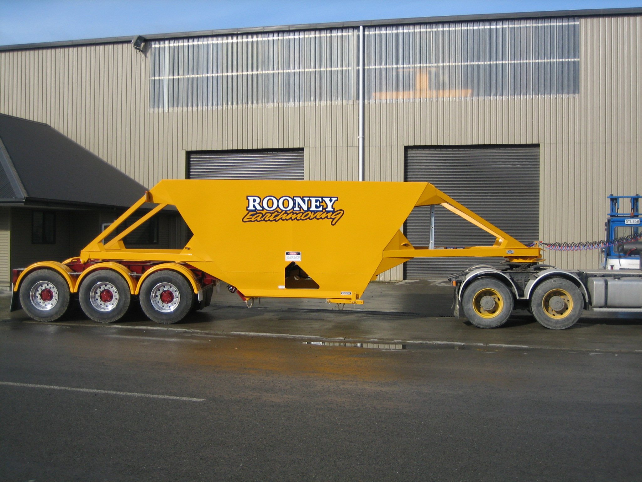 TES - Transport Engineering Southland | Belly/Bottom Dumper - Three Axle Semi